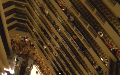 Over 1,000 Singers Filled This Hotel Lobby To Sing – The Result Gave Me Goosebumps!