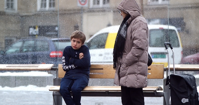 What Happens When Total Strangers See a Shivering Child