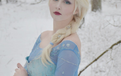 This 16 Year Old's Elsa Costume Will Blow You Away